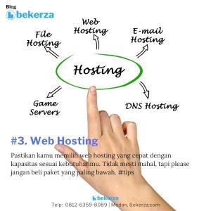 grafis tangan yang sedang melihat web hosting dan fitur fiturnya
