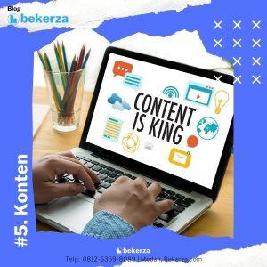 gambar sesoranng sedang bekerja dengan laptop dengan tampilan konten adalah raja